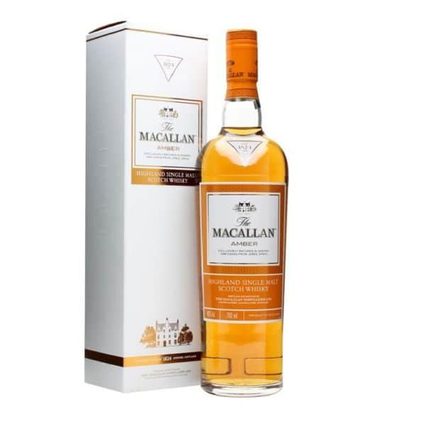 Maturado em barricas de carvalho americano, o whisky Macallan Amber tem notas de baunilha e caramelo. É um Single Malt versátil e adocicado, com especiarias e final longo. Vai bem sozinho ou na composição de coquetéis.