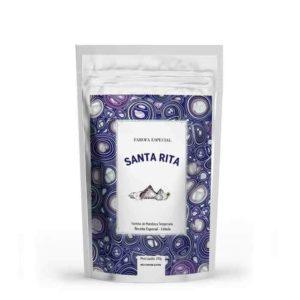 Receita tradicional de família, a Farofa Especial com Cebola Santa Rita é feita sem conservantes e com ingredientes selecionados. Crocante e deliciosa, é um acompanhamento perfeito para churrascos.